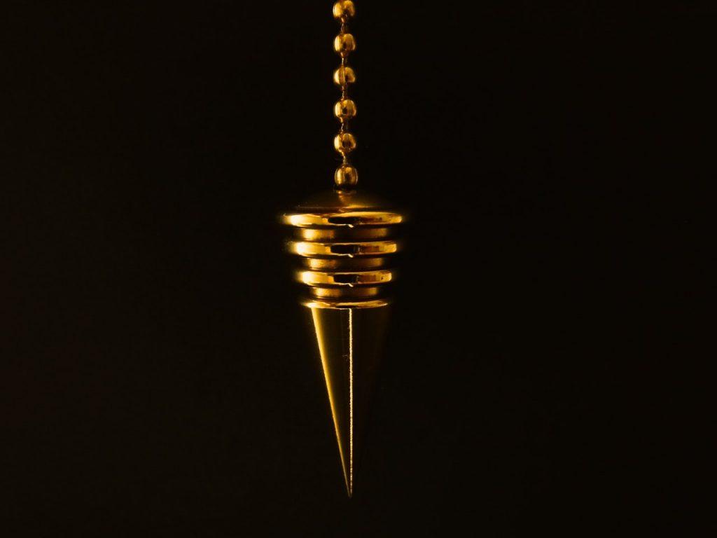 Un pendule qui peut être utilisé en magnétisme
