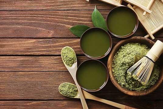 Du thé de matcha (en poudre)